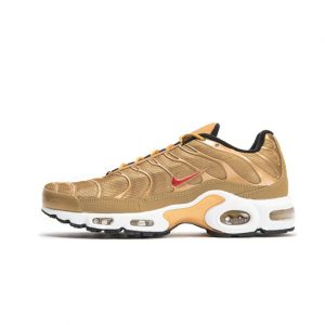 Zapatilla Nike Air Max Plus QS Metallic Gold University Red