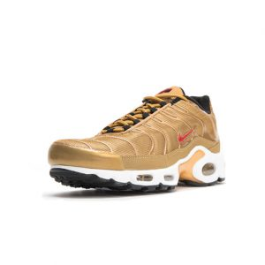 Sneaker Nike Air Max Plus QS Metallic Gold University Red