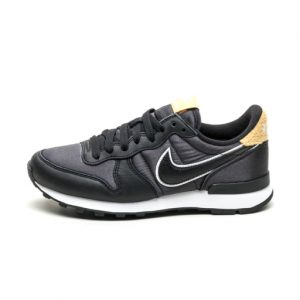 Zapatilla Nike W Internationalist Heat Black Black Wheat Gold