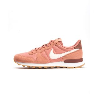 Zapatilla Nike Wmns Internationalist Terra Blush Guava Ice Summit White